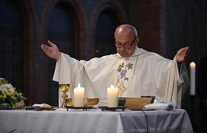 Biskupi zaniepokojeni podziałami wśród katolików