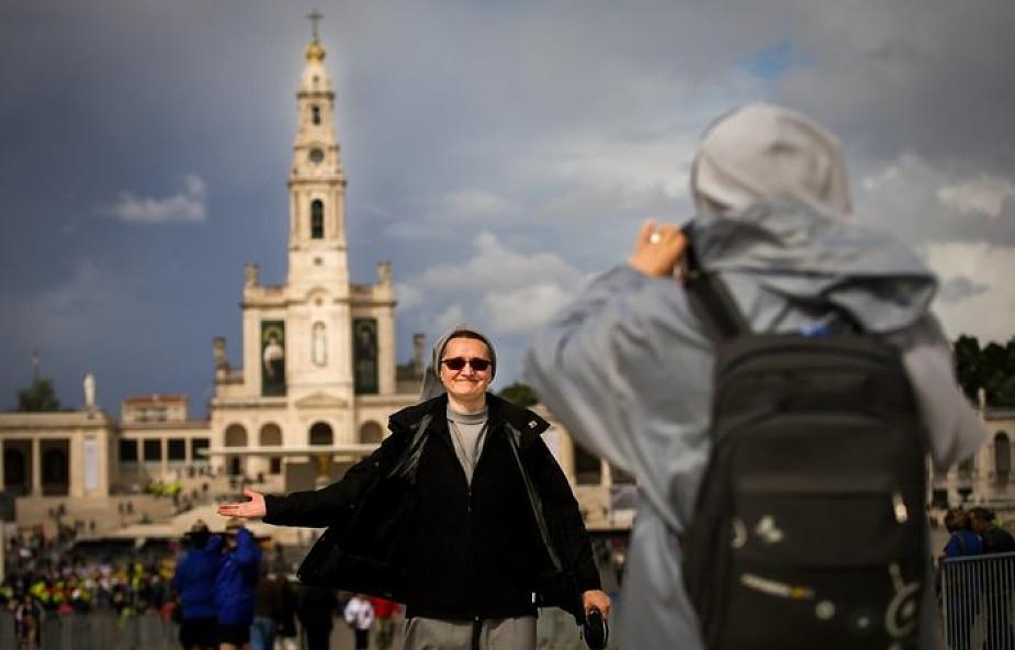 Portugalczycy oczekują papieża u Matki Bożej z Fatimy