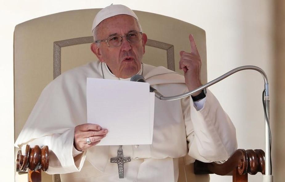 Papież: przypadek nie wyjaśnia istnienia wszechświata