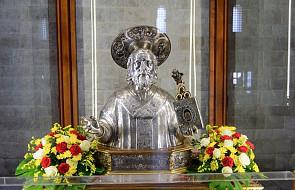 Włochy: relikwia św. Mikołaja, po 930 latach, opuściła Bari