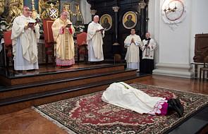 Kard. Parolin: bez miłości nie byłoby Kościoła, biskupów, kapłanów, ani sakramentów