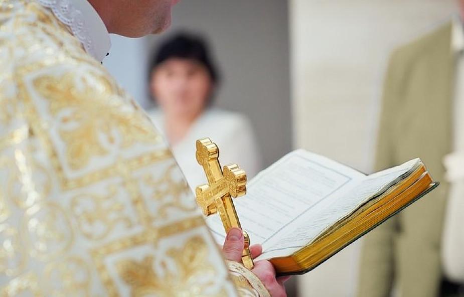 Przenoszenie kapłanów nie rozwiązuje problemów