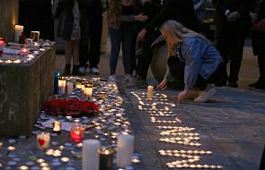 Czuwanie w tydzień po zamachu w Manchesterze
