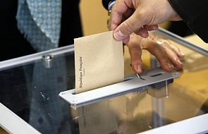 Francja: druga tura wyborów prezydenckich rozpoczęta