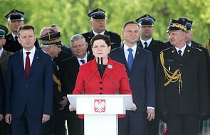 Premier Szydło gratuluje i zaprasza Macrona do Polski