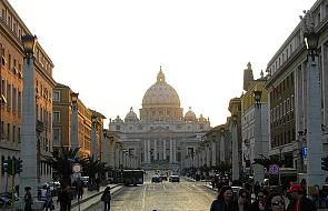 Watykan: możliwość przeniesienia uprawnień z Kurii na Kościoły