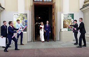 Ślubna wpadka, która stała się hitem w sieci [WIDEO]