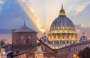 Watykan z żalem przyjął wiadomość o postawieniu kard. Pella przed sądem
