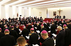 """Polscy biskupi pracują nad wytycznymi ws. """"Amoris Laetitia"""""""
