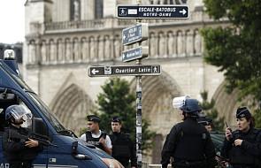 """Napastnik spod Notre Dame twierdził, że jest """"żołnierzem kalifatu"""""""