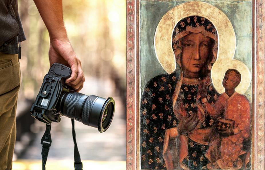 Artysta zaintrygowany Matką Boską Częstochowską