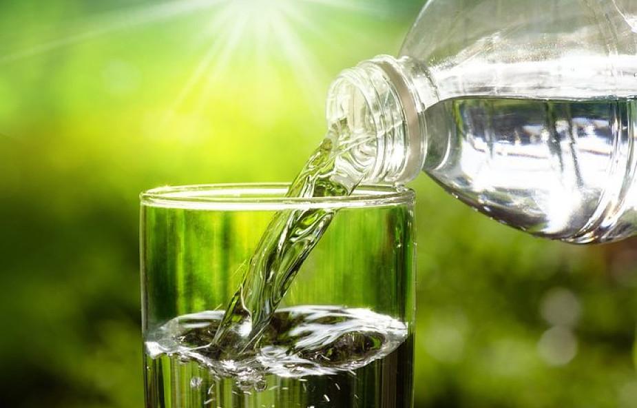 Jak zmienić zwykłą wodę mineralną w eliksir młodości?