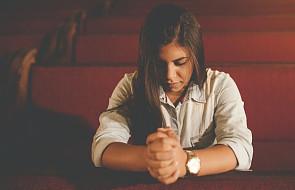 8 skutecznych sposobów, by znaleźć czas na modlitwę, kiedy ciągle się spieszysz