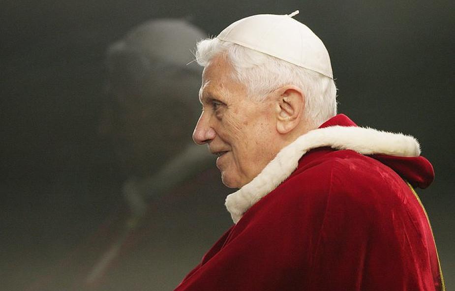 """""""Benedykt XVI nie chciał krytykować Franciszka"""""""