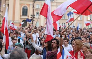 Demonstracje przed budynkami Sądu Najwyższego i Senatu