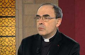 Kard. Barbarin do chrześcijan z Mosulu: Kościół jest waszą rodziną