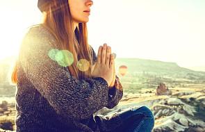 Modlitwa samotnej kobiety