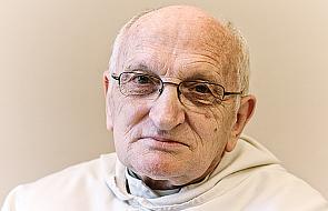 Czy duchowny musi być zawsze w sutannie lub habicie? [WIDEO]