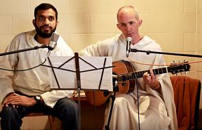 To wykonanie eucharystycznej pieśni porusza duszę i ciało [WIDEO]