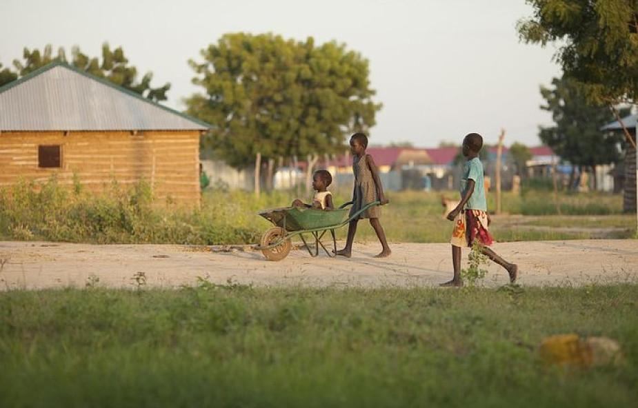 Władze Sudanu nakazują szkołom chrześcijańskim pracę w niedziele