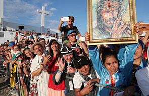 Franciszek wzywa młodych do przygotowania kolejnego synodu biskupów