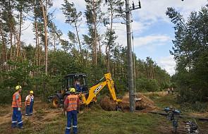 W kraju prądu nie ma jeszcze 44 tys. odbiorców. Energetycy pracują pełną parą