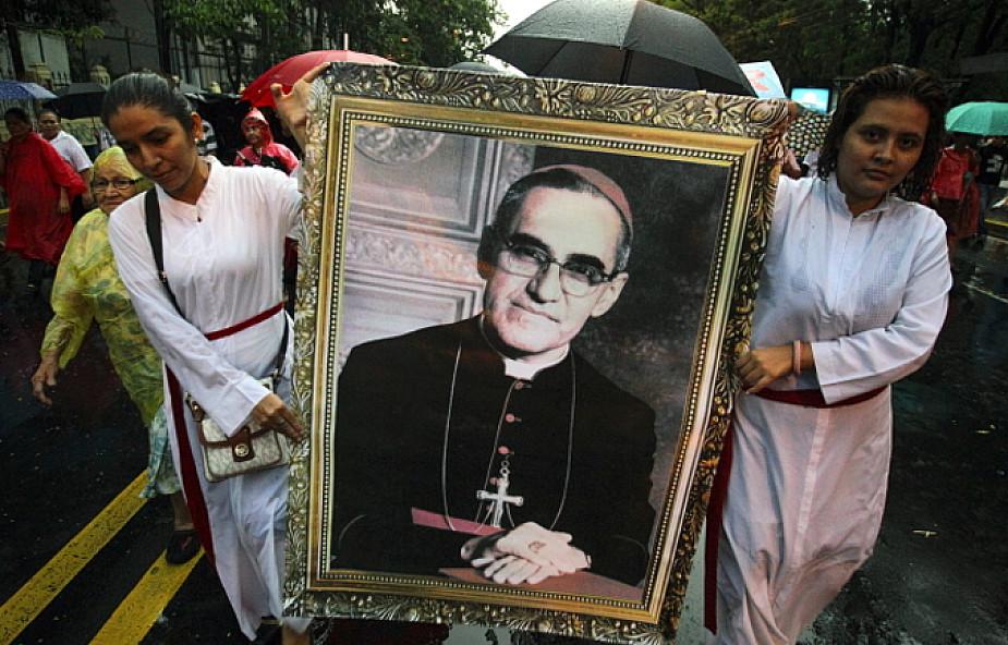 Abp Romero do końca życia działał z papieskim błogosławieństwem
