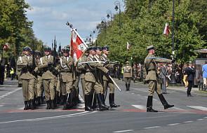 Rozpoczęła się defilada z okazji święta Wojska Polskiego