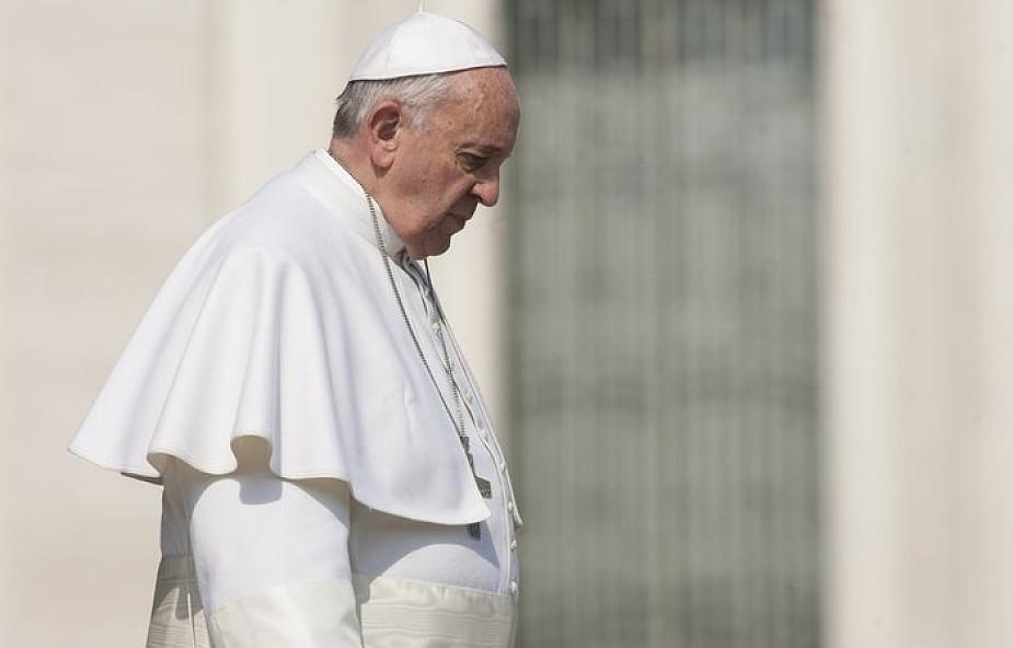Papież o zamachu w Barcelonie: to nieludzki czyn i ślepa przemoc