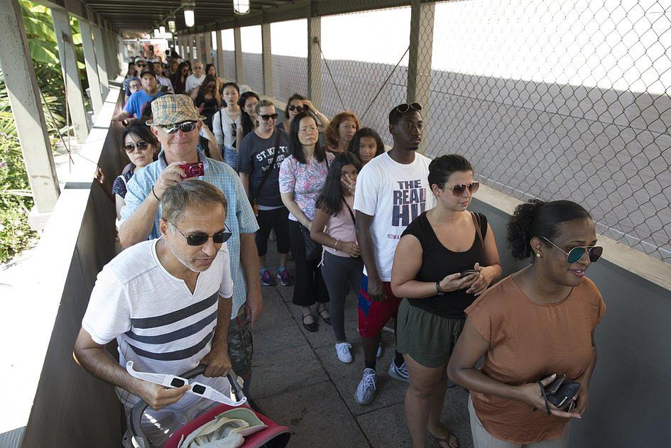 USA: miliony Amerykanów i turystów były świadkami zaćmienia Słońca [GALERIA] - zdjęcie w treści artykułu nr 3