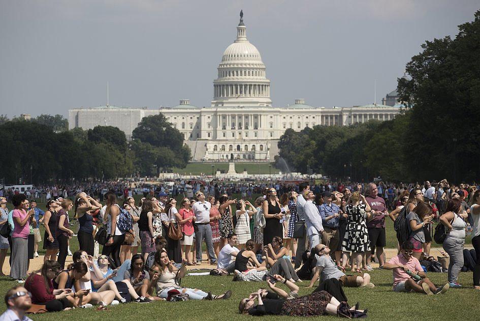 USA: miliony Amerykanów i turystów były świadkami zaćmienia Słońca [GALERIA] - zdjęcie w treści artykułu nr 2