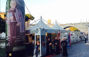 Rzym: św. Maksymilian Kolbe i św. Klara patronują misji franciszkanów
