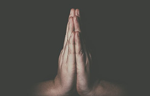 Doskonała modlitwa na chwile, w których tracisz wiarę