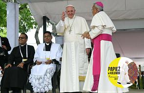 Papież Franciszek na Anioł Pański: pracujmy na rzecz godności ubogich i odrzucanych przez społeczeństwo
