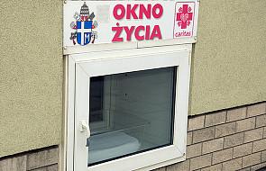 Radom: dziewczynka z okna życia ma już prawnych rodziców