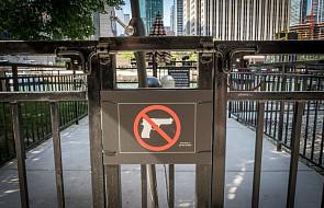 USA: kardynał z Chicago zabronił wnoszenia broni do wszystkich obiektów katolickich