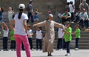 Będąc zakonnicą, wychowywała piątkę swoich dzieci. Doprowadziła do zmiany reguł zakonu
