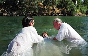 Po co Jezusowi był chrzest? Przecież był bez grzechu [WYJAŚNIAMY]