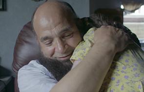 Przyjmuje do domu ciężko chore dzieci, by mogły umrzeć otoczone miłością [WIDEO]