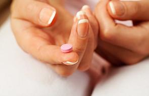 KE: Kontrola lekarska nad preparatami do antykoncepcji awaryjnej legalna