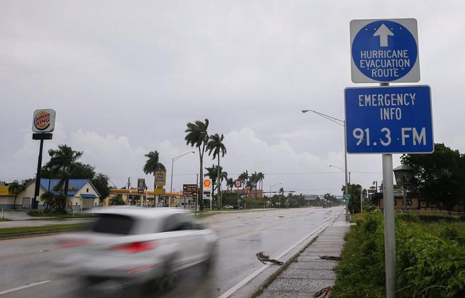 Pierwsze ulewy wyprzedzające nadejście huraganu Irma dotarły do Miami