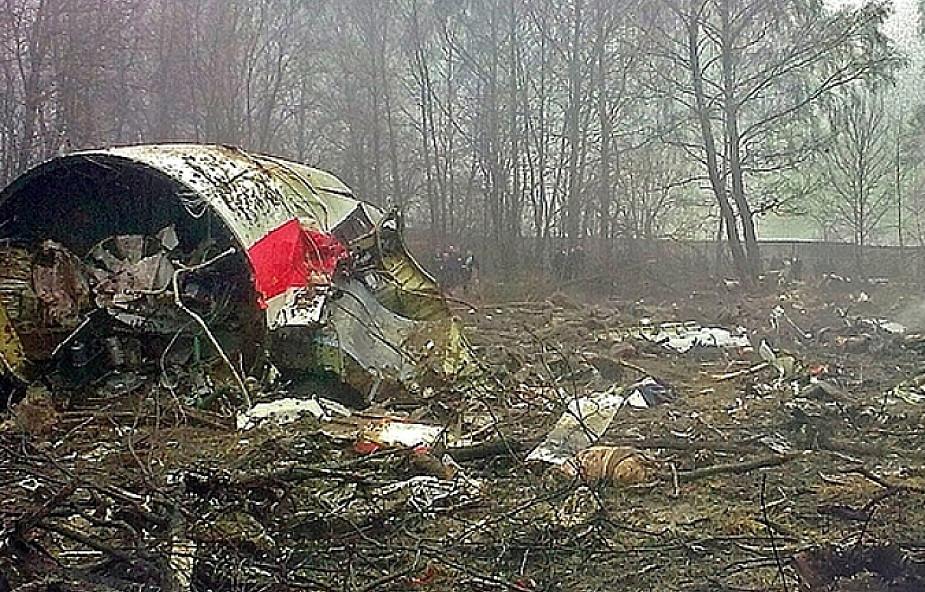 Podkomisja smoleńska: lewe skrzydło Tu-154 M zniszczone w wyniku eksplozji wewnętrznej