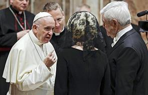 Papież gorąco apeluje do kapłanów, aby nie lekceważyli tego momentu Mszy Świętej