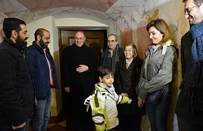"""Prymas Polak spotkał się z uchodźcami z Syrii. """"Wszyscy jesteśmy braćmi i siostrami"""""""