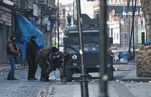Kurdowie proszą o pomoc w rozmowach z Turcją, aby ta zaprzestała bombardowań