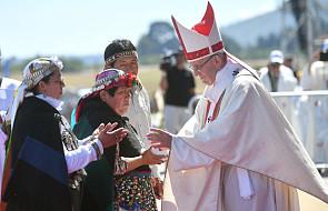 """""""L'Osservatore Romano"""" komentuje spotkanie papieża z ofiarami nadużyć seksualnych w Chile"""