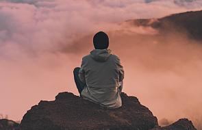 Modlę się, gdy jest dobrze i gdy jest źle. Oto 5 sposobów na modlitwę w każdych okolicznościach