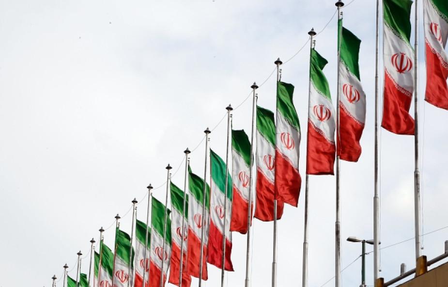 Iran: reformatorzy potępiają przemoc i oszustwa USA