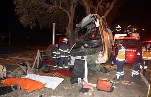Turcja: 11 zabitych, 46 rannych w wypadku autokaru. Wiózł na narty rodziny z dziećmi