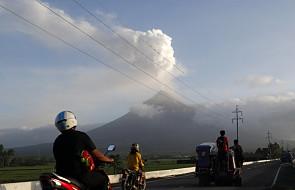 """Filipiny: ewakuowano 80 tys. ludzi. """"Chmura popiołu z wulkanu osiągnęła już wysokość 5 km"""""""